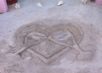 sandchampagneglasses 400x284 - Antigua